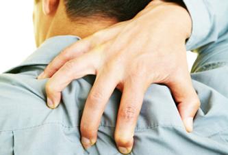 کس نخارد پشت من جز ناخن انگشت من